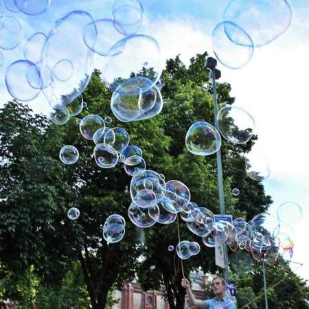 Seifenblasen-Spielzeug Seifenblasenfabrik 100-Bubbler Riesenseifenblasen Bubblebo Straßenkunst