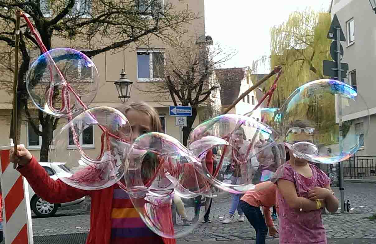 viele Seifenblasen, Spielzeug